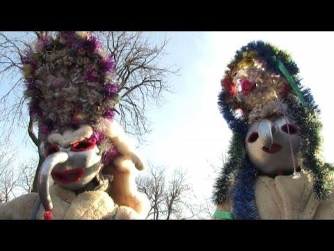 Come Si Dice Buon Natale In Rumeno.Natale Rumeno Canti E Maschere Per Scacciare Gli Spiriti Malvagi