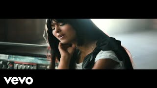 Music video by Che'Nelle performing Feel Good. © 2010 UNIVERSAL MUS...
