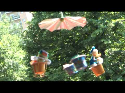 Lavoretti per bambini una giostra realizzata riciclando for Youtube lavoretti per bambini