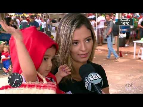Criatividade das fantasias garante diversão no Carnaval de Brasília | SBT Notícias (14/02/18)