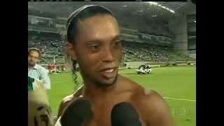 Ronaldinho Gaúcho dá uma cantada em repórter bonita - veja até o fim!