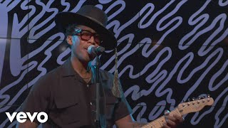 Raphael Saadiq - Something Keeps Calling (Live Performance)