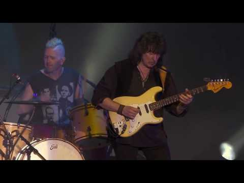 Rainbow - Smoke On The Water (Live Memories In Rock 2016 Germany 14)