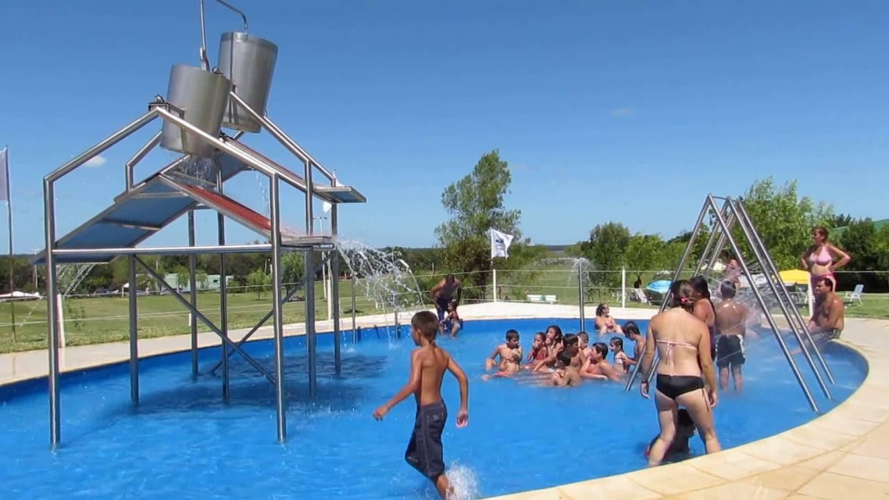 Parques acu ticos juegos de agua para ni os en piscina for Piscinas de plastico para ninos