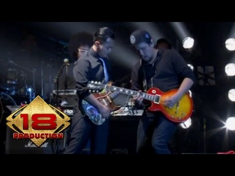 Kerispatih Feat. Sammy Simorangkir - Takkan Berhenti  (Live Konser Surabaya 5 Desember 2014)