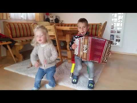 "Ziachfuchs ""Kinderlieder-Potpourri"" from YouTube · Duration:  4 minutes 17 seconds"