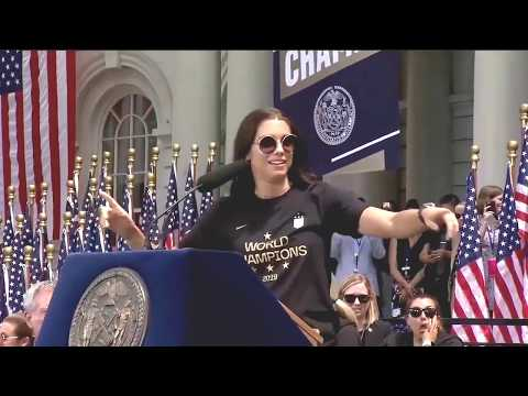 alex-morgan-takes-nyc:-parade-float,-city-hall-entrance,-victory-speech-&-key-to-the-city---7-10-19