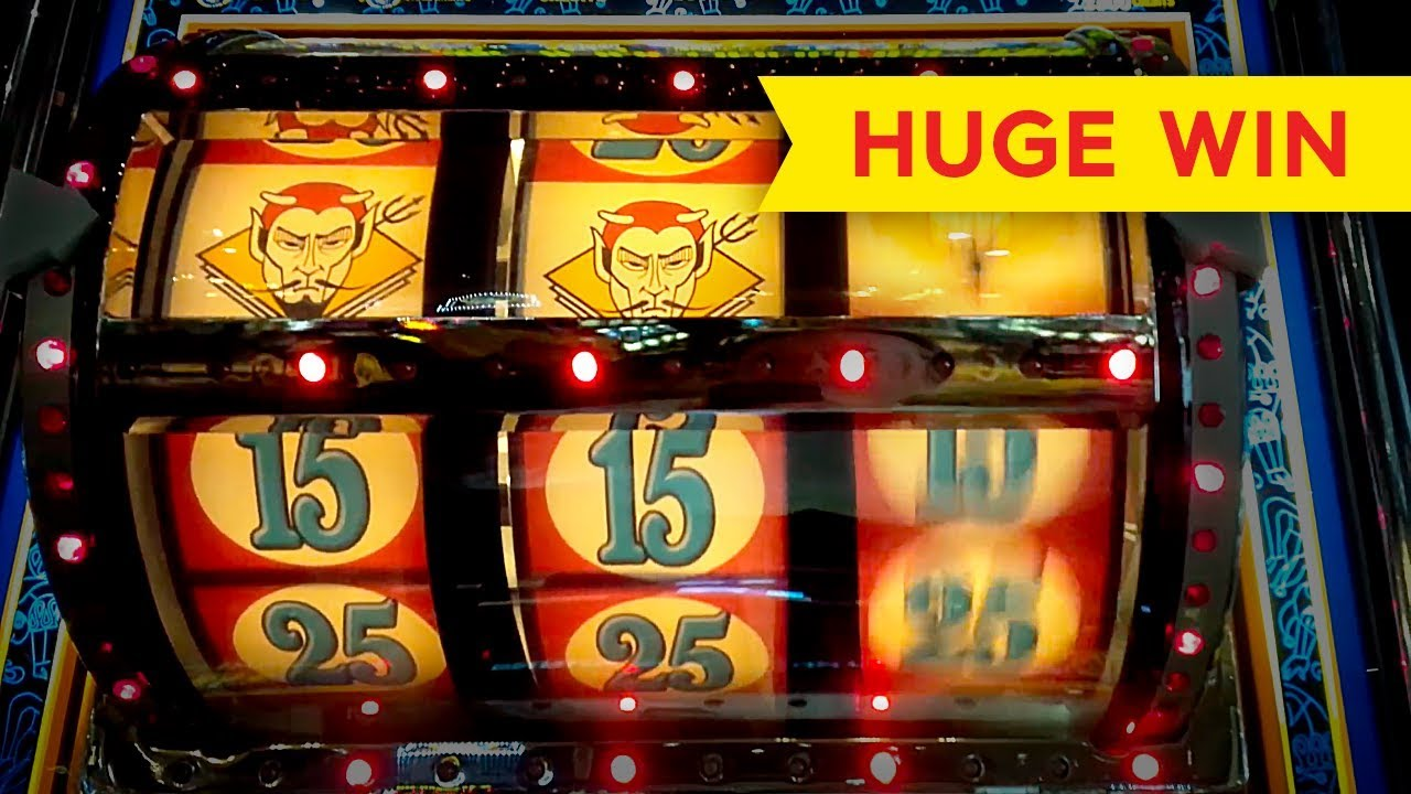 Huge jackpot win slot machine