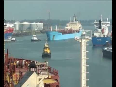 Richard Maersk in Rotterdam.avi