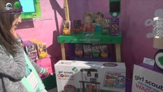 New York Toy Fair Exclusive - Girl Scouts Cookie Oven, Cookie Stand, And Cookie Wagon