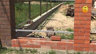 Забор из профнастила // FORUMHOUSE(Сегодня профнастил становится, пожалуй, все более популярным материалом для строительства заборов. Но,..., 2014-09-11T06:38:04.000Z)