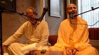 HH Radhanatha Swami is introducing HG Srutakirti Prabhu at Bahkti center, NY August 16 2014