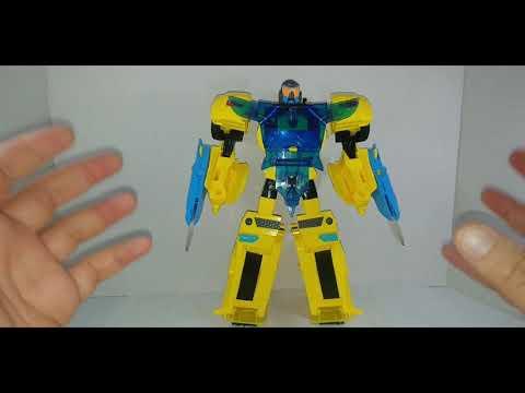 Chuck's Reviews Transformers Cyberverse Battle Call Officer Class Bumblebee