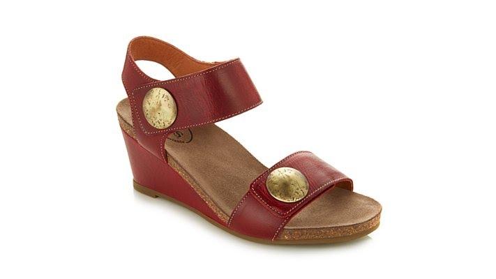 Taos Women's 'Carousel 2' Wedge Sandal x0qg0kYde