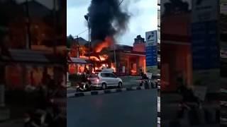 Download Video Kebakaran pom bensin jambu dua bogor 2 MP3 3GP MP4