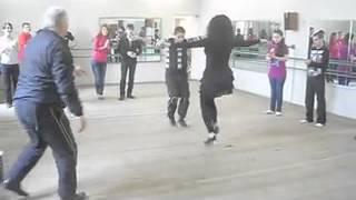 Учимся танцевать лезгинку))).240.mp4