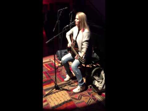 Anna Engh performing Cindy  at Xlevel Studios