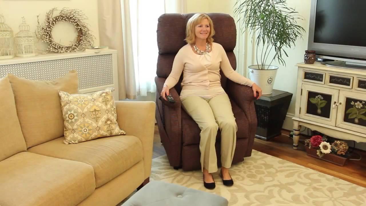Женщина на подъемном кресле