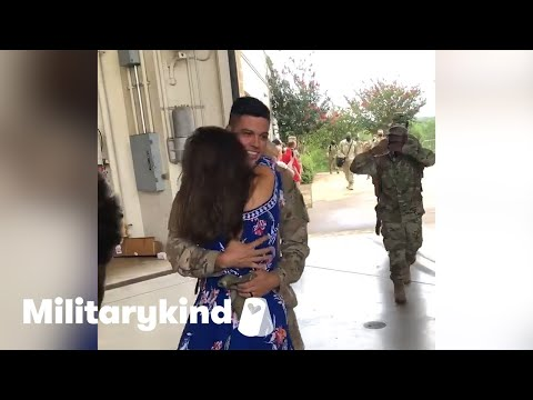 Wife jumps into soldier's arms after a year apart   Militarykind