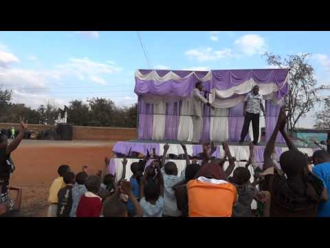 Pastor Nzuki  - Ninakwatie Tata