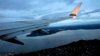 Alaska Airlines Boeing 737-900 Takeoff Seattle