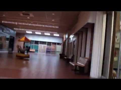 Dead(ish) Mall: River City Mall, Keokuk Iowa