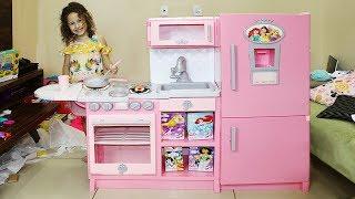Minha Nova Cozinha de Brinquedo das Princesas - Valentina Pontes