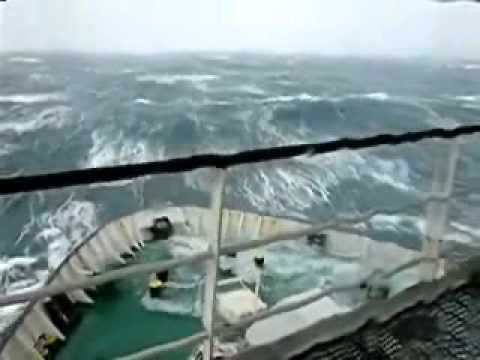 Ship In Storm 90ft Waves Youtube