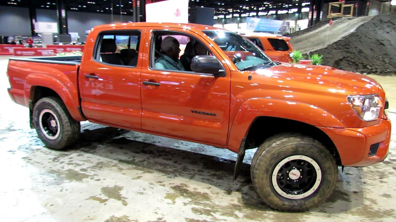 2015 toyota tacoma trd pro off road driving walkaround debut at 2014 chicago auto show youtube. Black Bedroom Furniture Sets. Home Design Ideas