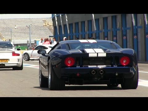 A FORD GT ON THE TRACK!