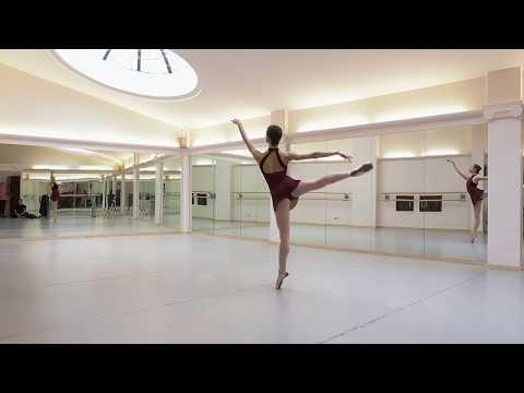 Ballet class, Sophie