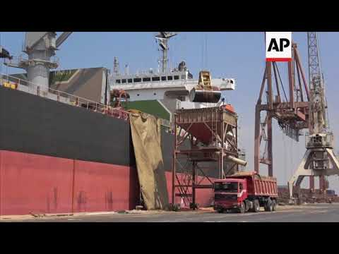 Ships ordered to leave vital aid gateway