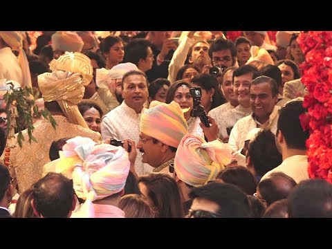 Anand Piramal GRAND Baraat For Isha Ambani Wedding At Antilla