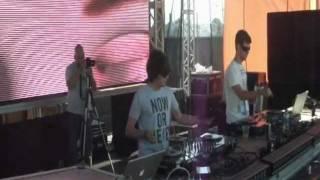 """Q.U.A.K.E. tocando """"E-LIT Flipando en Ibiza"""