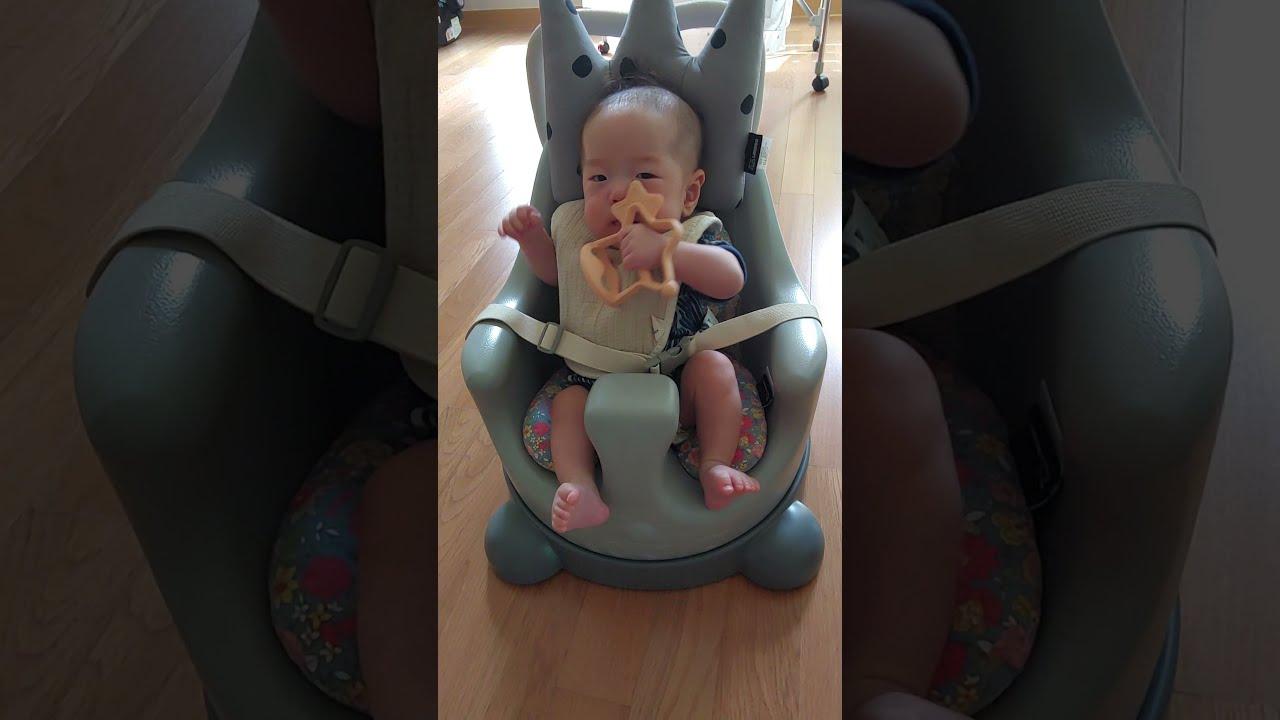 생후3개월 100일아기 장난감 치발기 옹알이하는 아기  3 months old baby babbling