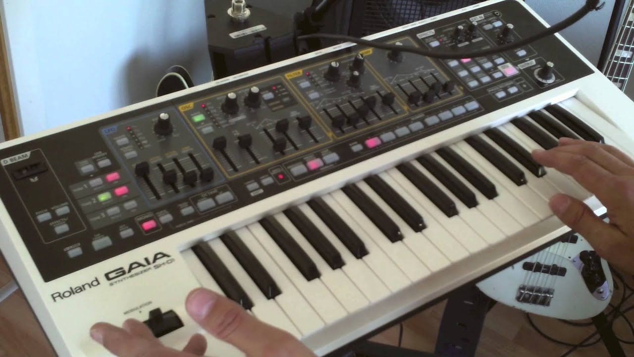 1  How to play funky synth bass - for bass players