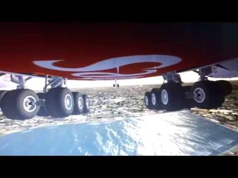 ✈Main Gear CAM Emirates Airbus A380-800 Landing At Dubai Intl