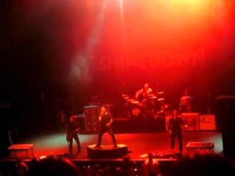 Shinedown - Intro + Sound of Madness