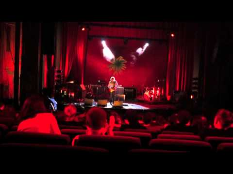 "Kristof Schreuf ""A Walk In The Park"" und ""Bourgeois With Guitar"" (live 2011)"