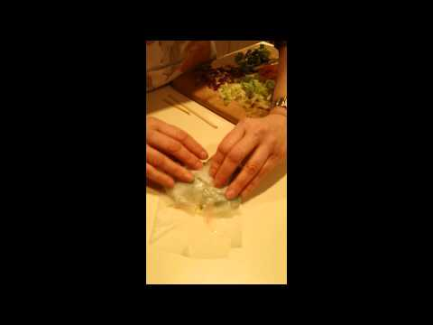 how-to-make-veggie-spring-rolls-using-rice-paper-wraps