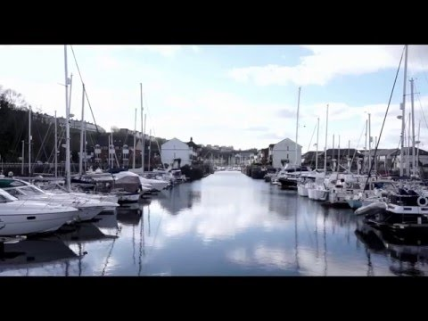 Cardiff: A Sightseeing Tour (English)