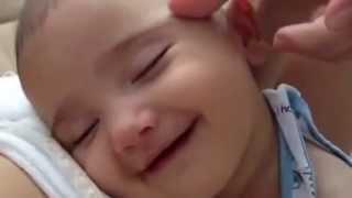 Video Uyurken Gülen Bebekler download MP3, 3GP, MP4, WEBM, AVI, FLV Desember 2017