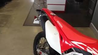 Quick start up and rev on the CRF450L and full maintenance schedule...