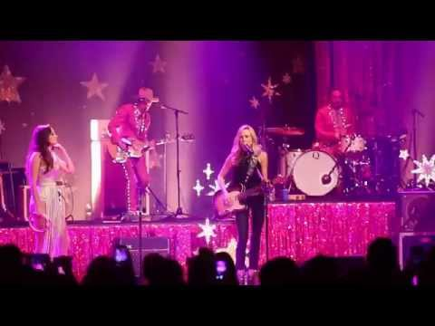 Kacey Musgraves w/ Sheryl Crow - If It Makes You Happy (Ryman Auditorium Nashville TN 9/23/2015) Mp3