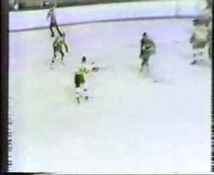 Bobby Orr vs Islanders, Seals, Canucks, Flames season 72-73