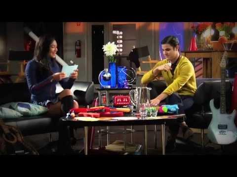 Naya Rivera & Darren Criss- Rapid Fire - GLEE