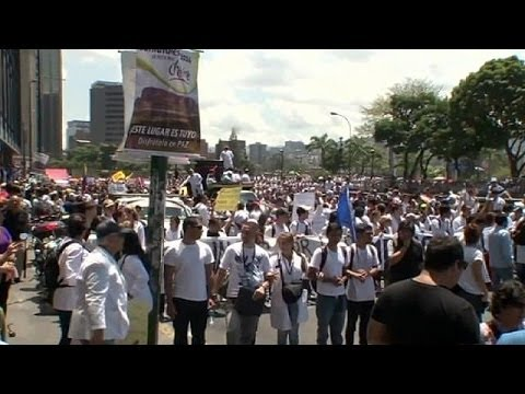 Protesters in Caracas demand a better healthcare system for Venezuela