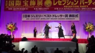 50代 賀来千賀子 60代 桃井かおり.