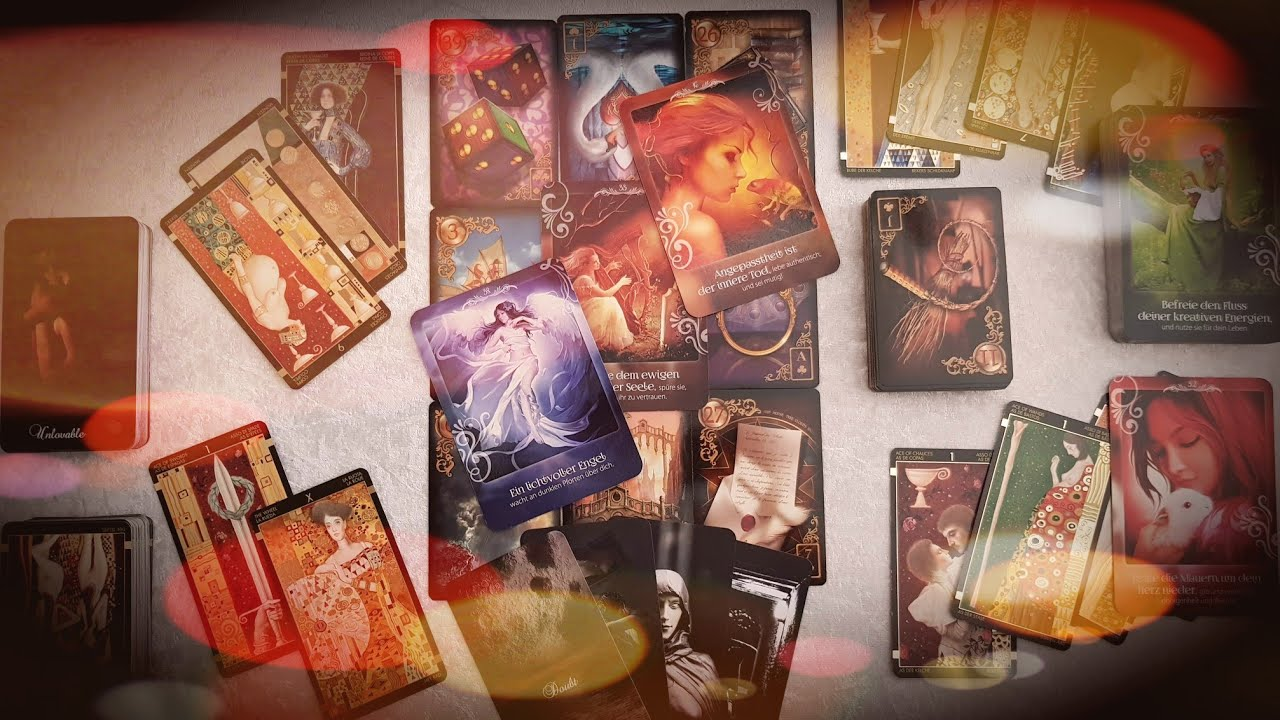 Rundumblick mit Tarotkarten