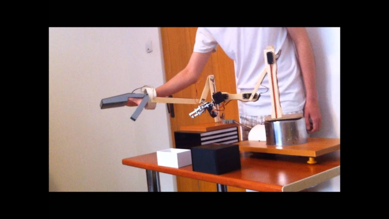 Robotic arm that copy human hand movements arduino based